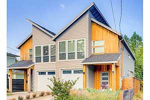 More Details about MLS # 21210935 : 7485 N HURON AVE