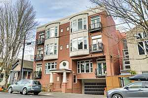 More Details about MLS # 21249300 : 2537 NW THURMAN ST 304