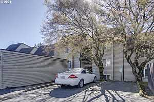 More Details about MLS # 21260725 : 200 SW FLORENCE AVE G6