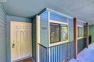 More Details about MLS # 21270225 : 10258 SE TALBERT ST