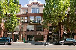 MLS # 21317870 : 618 NW 12TH AVE W 212
