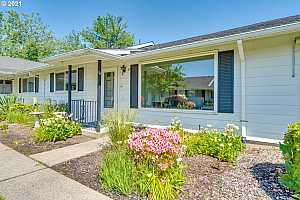More Details about MLS # 21340094 : 679 NE FLEMING AVE
