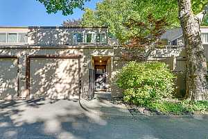 MLS # 21351276 : 1875 NW ROLLING HILL DR