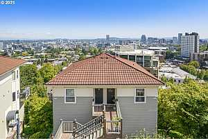 More Details about MLS # 21358114 : 310 NW UPTOWN TER 3A