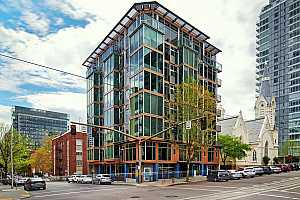 MLS # 21359484 : 1410 SW 11TH AVE 404