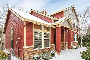 More Details about MLS # 21384419 : 9316 SW CORAL ST