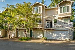 More Details about MLS # 21385413 : 14170 SW BARROWS RD 4