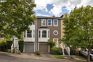 MLS # 21397924 : 138 NW ELEVEN MILE AVE