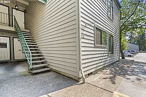 More Details about MLS # 21420377 : 6745 SW SCHOLLS FERRY RD 19