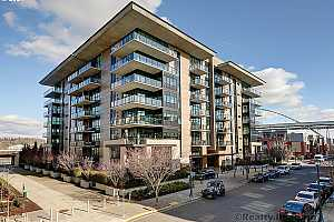 MLS # 21425646 : 1830 NW RIVERSCAPE ST 109