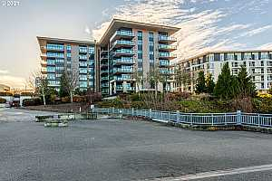 MLS # 21430778 : 1830 NW RIVERSCAPE ST 307