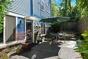 More Details about MLS # 21438855 : 828 SE 27TH AVE 8