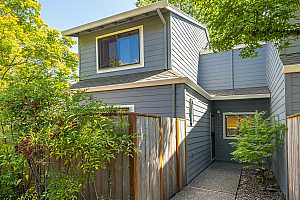 More Details about MLS # 21450396 : 14678 SW 106TH AVE