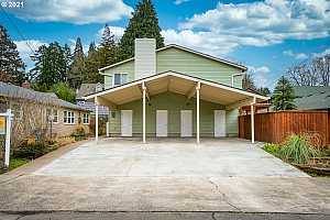 More Details about MLS # 21456041 : 334 SE 32ND AVE