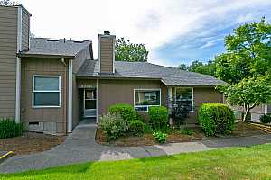 More Details about MLS # 21457736 : 8396 SW MOHAWK ST