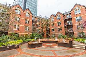 More Details about MLS # 21458221 : 1500 SW PARK AVE 307