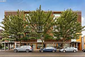 More Details about MLS # 21466067 : 915 SE 35TH AVE 302
