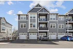 More Details about MLS # 21493311 : 17182 SW APPLEDALE RD 301