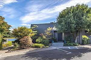 More Details about MLS # 21495610 : 5810 S RIVERPOINT LN