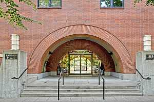 More Details about MLS # 21510305 : 1030 NW JOHNSON ST 224