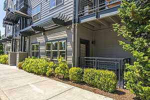 More Details about MLS # 21520792 : 13885 SW MERIDIAN ST 135