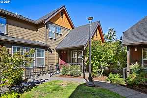 More Details about MLS # 21522411 : 756 NE 70TH AVE