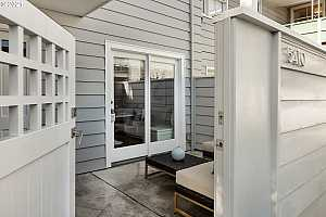 More Details about MLS # 21524406 : 5410 SW SCHOLLS FERRY RD