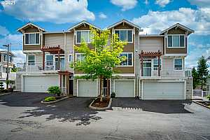 More Details about MLS # 21537409 : 8740 SW 147TH TER 103