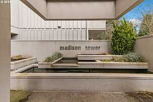 MLS # 21539782 : 2309 SW 1ST AVE 641