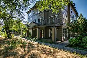 More Details about MLS # 21548777 : 1140 SW 170TH AVE 200