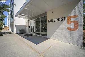 More Details about MLS # 21549703 : 900 NE 81ST AVE 309