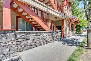 More Details about MLS # 21564972 : 9817 NE IRVING ST 212