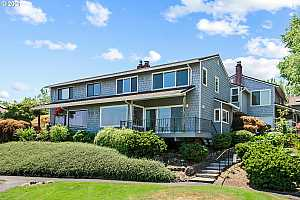 More Details about MLS # 21571032 : 651 N TOMAHAWK ISLAND DR