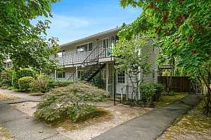 More Details about MLS # 21582646 : 6815 SW CAPITOL HILL RD 9