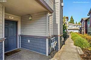 More Details about MLS # 21584853 : 1819 NE 101ST AVE 102