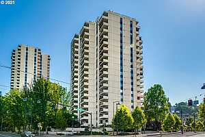 More Details about MLS # 21587073 : 2211 SW 1ST AVE 201