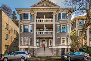 More Details about MLS # 21593361 : 2046 NW FLANDERS ST 1