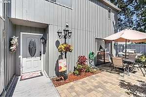 More Details about MLS # 21597102 : 5318 SW ERICKSON AVE