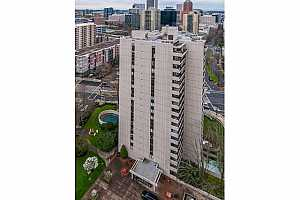More Details about MLS # 21616438 : 2211 SW 1ST AVE 1101
