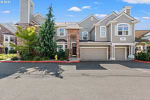 More Details about MLS # 21634676 : 1210 NE 63RD WAY 910