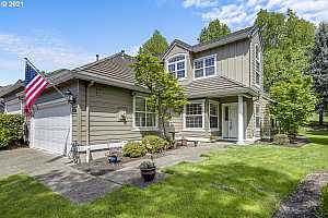 More Details about MLS # 21638120 : 15601 NW CLUBHOUSE DR