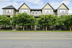 More Details about MLS # 21638415 : 482 NE CLEVELAND AVE