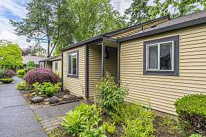 More Details about MLS # 21664010 : 2722 SE 138TH AVE 72
