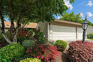 More Details about MLS # 21670432 : 15685 SW OAKHILL LN