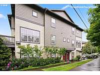 MLS # 19526491 : 1120 SW 170TH AVE 202