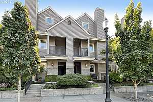 Browse active condo listings in ONEONTA