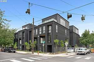 Browse active condo listings in BALCH CREEK