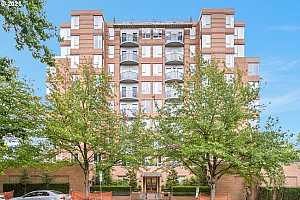 Browse active condo listings in LEGENDS